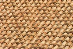 Крыша с пылаемыми плитками Стоковые Изображения