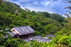 Крыша шифера на доме в джунглях Рай тропика залива Yalong Стоковая Фотография