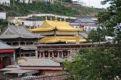 Крыша Lamasery смолки золотая Стоковое Изображение