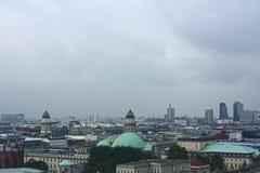 Крыши и куполы Берлина стоковые фотографии rf