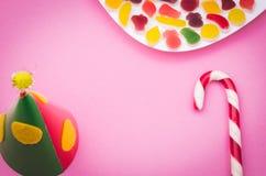 Крышка и конфета дня рождения Стоковые Изображения RF