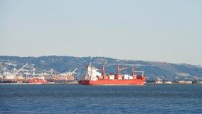 КРЫШКА ПАЛЬМЕРСТОН грузового корабля на анкере в San Francisco Bay Стоковое Фото