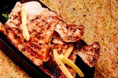 Крышка риса и зажаренное в духовке мясо Стоковые Изображения