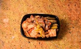 Крышка риса и зажаренный в духовке цыпленк цыпленок Стоковая Фотография