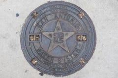 Крышка люка в Сан Антонио стоковое фото