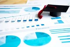 Крышки градации на голубых напечатанных диаграммах и диаграммах Стоковое Изображение RF