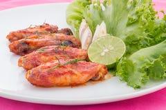 Крыла цыпленка с соусом перца Кайенны Стоковые Изображения RF