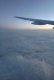Крыло и восход солнца самолета Стоковые Фото
