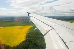 Крыло самолета вне Стоковые Изображения