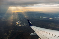 Крыло самолета из окна Стоковые Фото