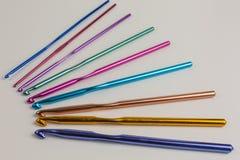 крюки вязания крючком предпосылки близкие вверх стоковые изображения rf