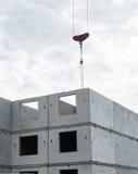 Крюк бетонного здания и крана башни Стоковые Изображения RF