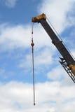 Крюк детали строительной площадки, черных и желтых крана Стоковое фото RF