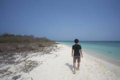 Кто-то идя на пляж Стоковая Фотография