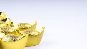 Куала-Лумпур, Малайзия - 13-ое декабря 2017: Крупный план китайского нового золота Sycees Year's или золотого ингота Стоковое фото RF