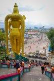 Куала-Лумпур, Малайзия - 9-ое марта 2017: Статуя ` s мира самая высокорослая Murugan, индусское божество в Batu выдалбливает, оче Стоковое Фото