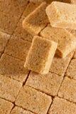 Кубики желтого сахарного песка стоковое изображение rf