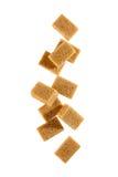 Кубики желтого сахарного песка стоковое изображение