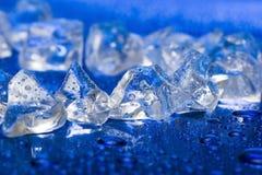 кубики сини близкие морозят вверх стоковое изображение rf