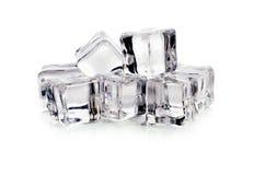 Кубики льда на белой предпосылке Стоковая Фотография RF