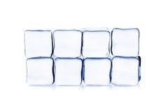 Кубики льда на белой предпосылке стоковые фото