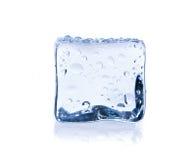 Кубик льда изолированный на белизне стоковое фото rf