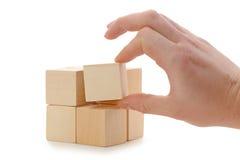 кубик устанавливает руку деревянную стоковые изображения rf