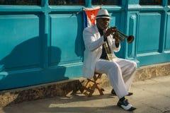 Кубинськая серия портрета, трубач на улице, Ла Гаване Стоковые Изображения RF
