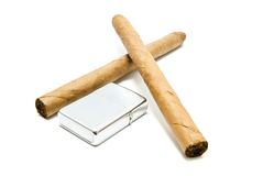Кубинськие сигары и лихтер на белизне Стоковое Изображение RF