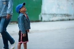 Кубинський мальчик стоковые изображения