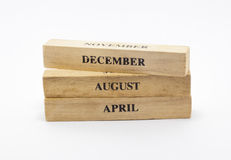 Кубический деревянный календарь даты стиля Стоковые Фото