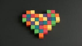 Кубы мозаики сердца деревянные Стоковая Фотография