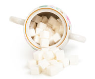 Кубы сахара в изолированном шаре стоковое изображение
