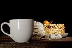Кубы чашки кофе, печенья и сахара Стоковые Фото