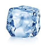 Куб голубого льда стоковая фотография rf