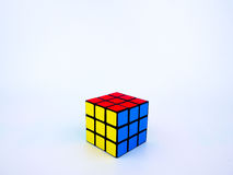 Куб красочного Rubik на белой предпосылке стоковые фото