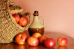 кувшин сидра яблок Стоковая Фотография RF