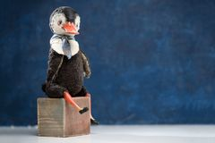 Кукла года сбора винограда связи матроса утки птицы фарфора меха Стоковые Фото