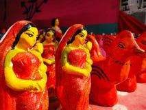 Кукла сделанная глиной в рынке стоковая фотография rf
