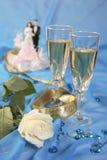 Куклы торта венчания, подняли стоковое изображение rf