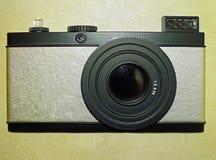 Кукла камеры фото установила на стене Стоковое фото RF