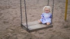 Кукла на качании сток-видео