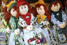 Куклы в магазине с сувенирами в Корфу Стоковые Фотографии RF