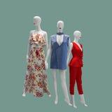 куклы предпосылки черные исполнили женские ключевые низкие тельняшки красного цвета 3 изображения манекенов белые Стоковое Фото