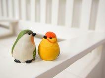 Куклы птицы сделанные из штукатурки Стоковая Фотография