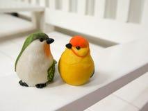 Куклы птицы сделанные из штукатурки Стоковые Изображения RF