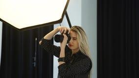 Кулуарная профессия искусства работы фотографа моды Стоковое Изображение