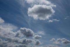 Кумулюс и облака цирруса Стоковая Фотография