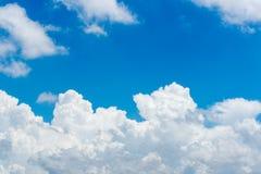 Кумулюс и облака цирруса Стоковые Фотографии RF