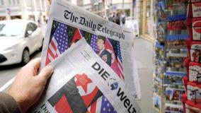 Купите международную прессу в улице Парижа акции видеоматериалы